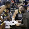 Steve Kerr Turns Coaching Over to Players in Warriors Win