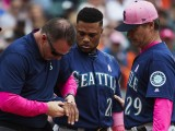 Robinson Cano Breaks Bone in Right Hand
